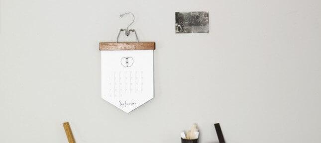 DIY Vintage Wood Pant Hanger Calendar