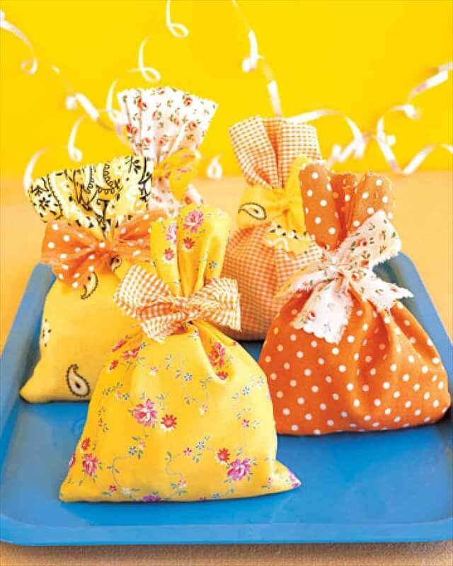Fabric-Scrap Favor Packs