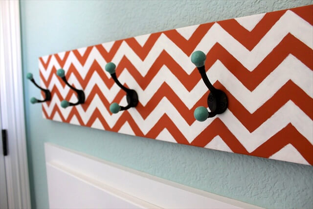 DIY Chevron Hook Rack