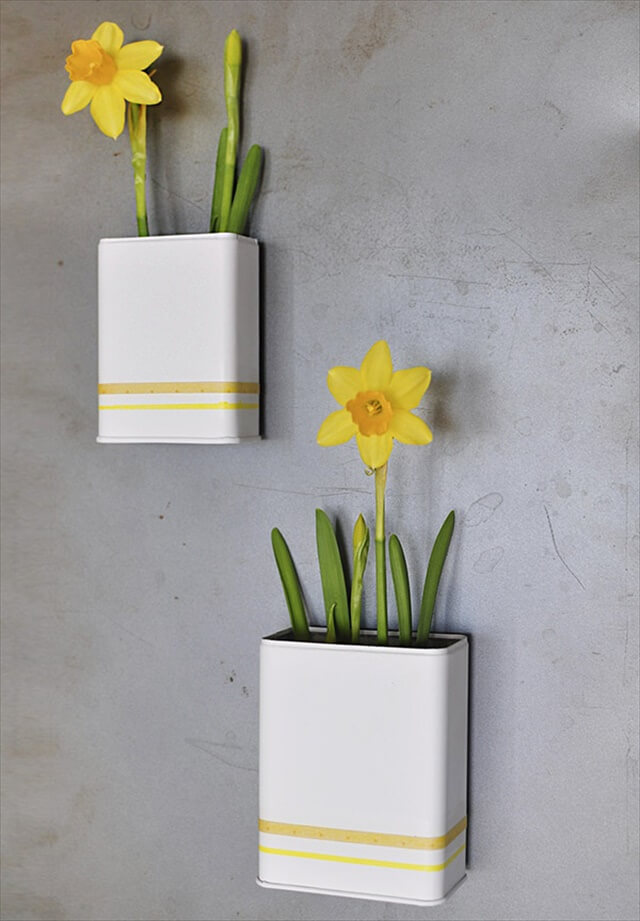 Magnetic Daffodil Planters