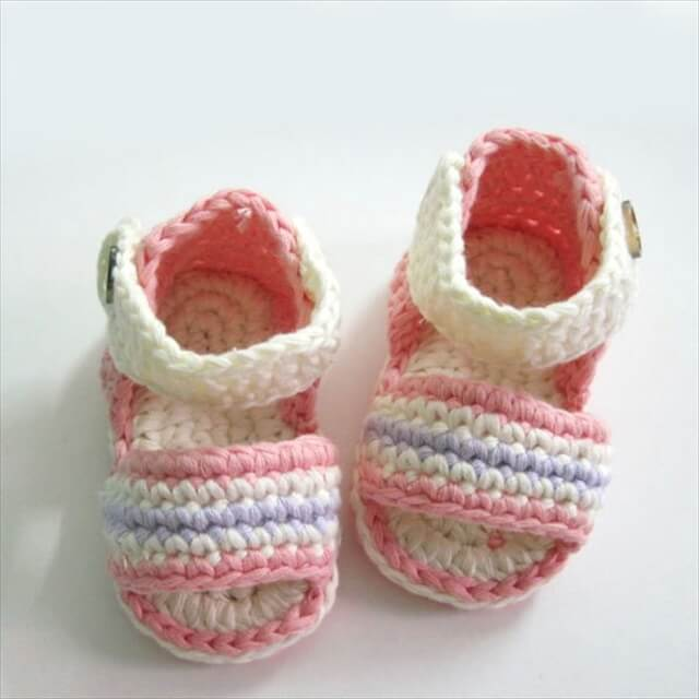 Winter booties for your baby