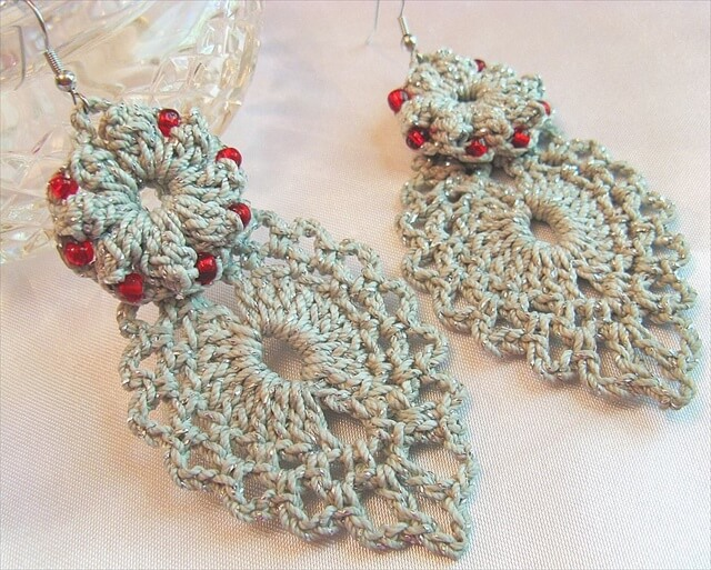 Beaded Crochet Popcorn Earrings with Dangling Leaf