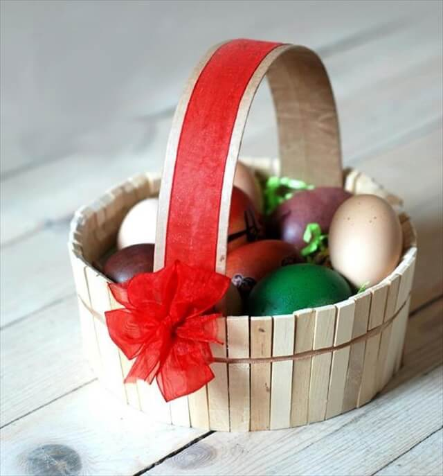 All upcycling Easter egg decorating ideas required all your creativity and imagination. If you have both you will also need recycled materials