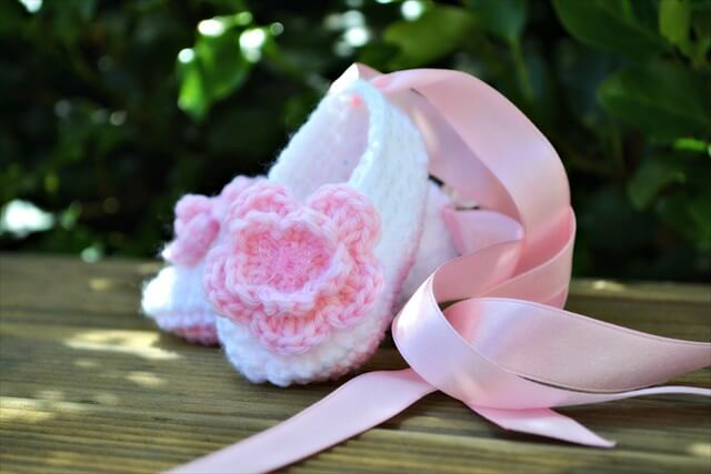 Crochet ballet baby booties slippers
