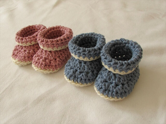 crochet cuffed baby booties tutorial - roll top baby shoes for beginners