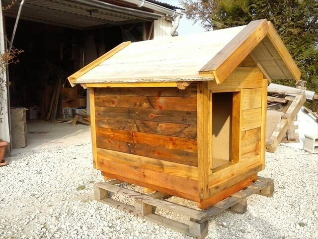 DIY Pallet Doghouse with Chevron Roof: