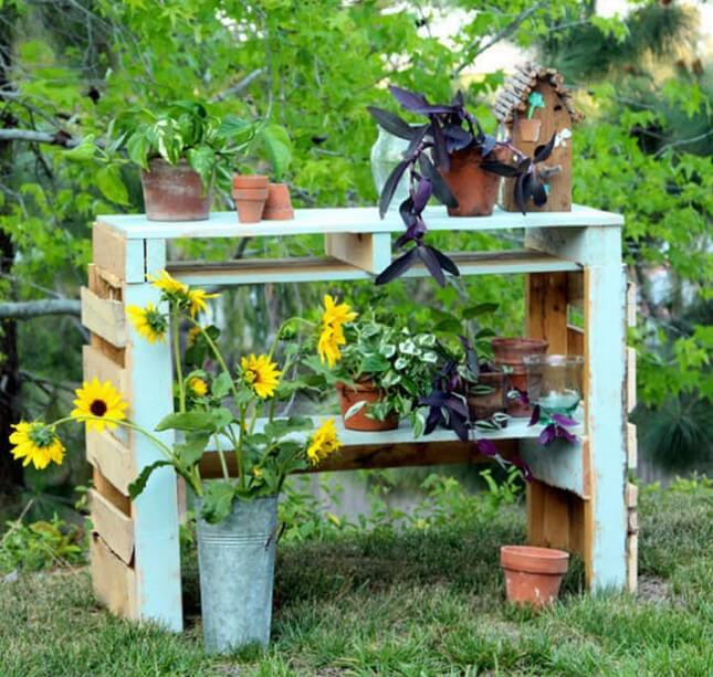 DIY Two Pallet Potting Bench:
