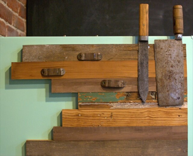 reclaimed-wood knife organizer