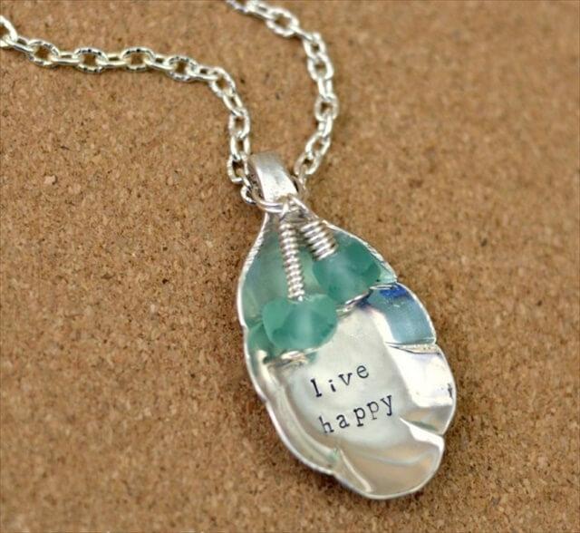 amazing diy spoon necklace