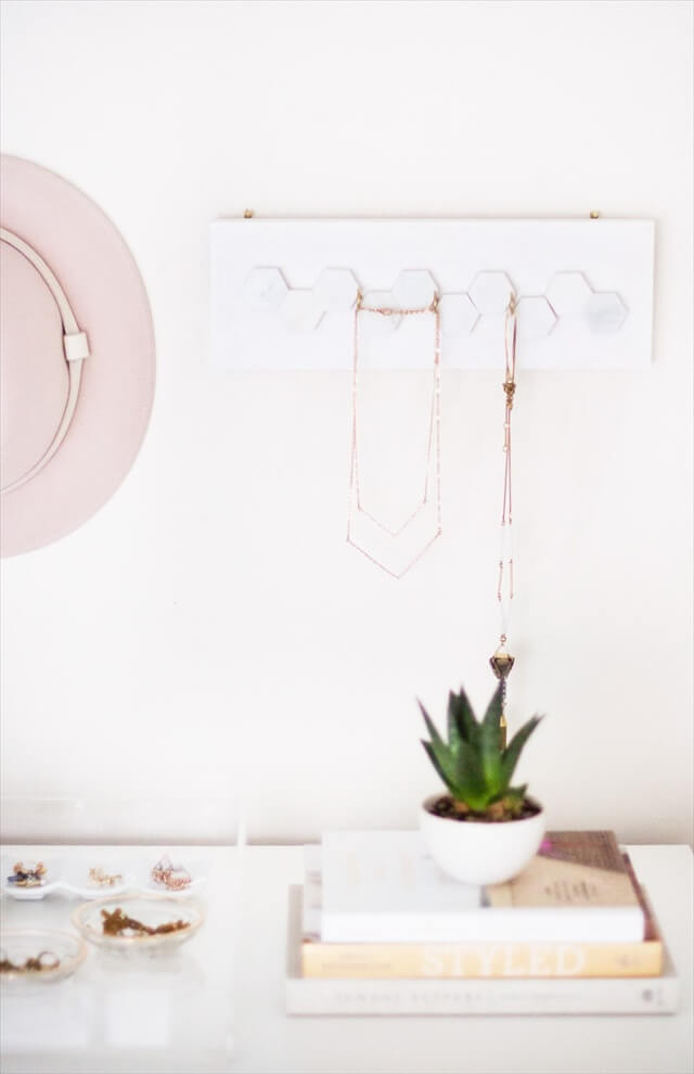 Marble Hexagon Jewelry Hanger