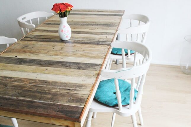 DIY Pallet Table: