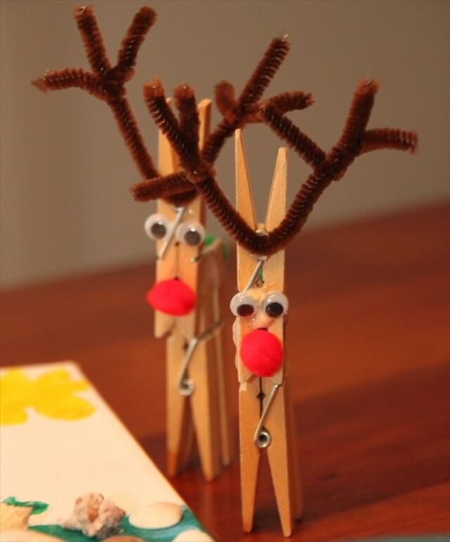 clothespin reindeer craft 40 easy crafts with clothespins diy to make 1329