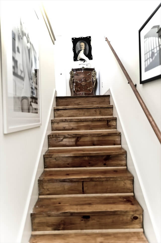upcycled pallet stairs