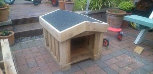 14 DIY Doghouse Design