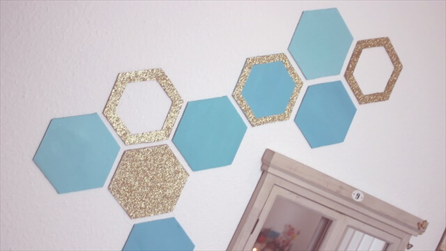 Honeycomb Wall Decor - Easy Recycling Home Decor Idea