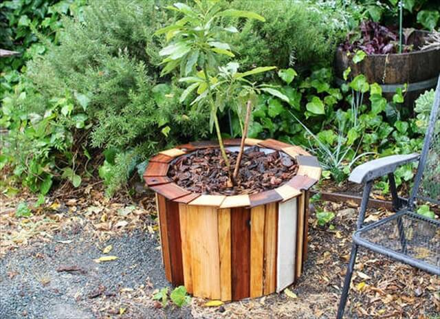 Recycled Wood Planter Box.