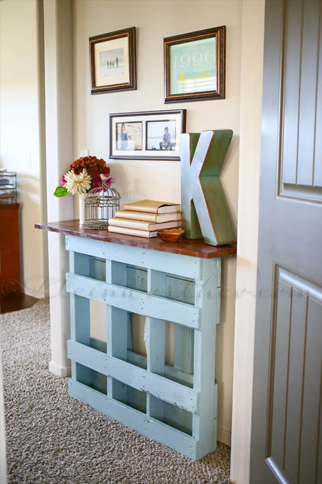 Transform a full pallet into an entryway table
