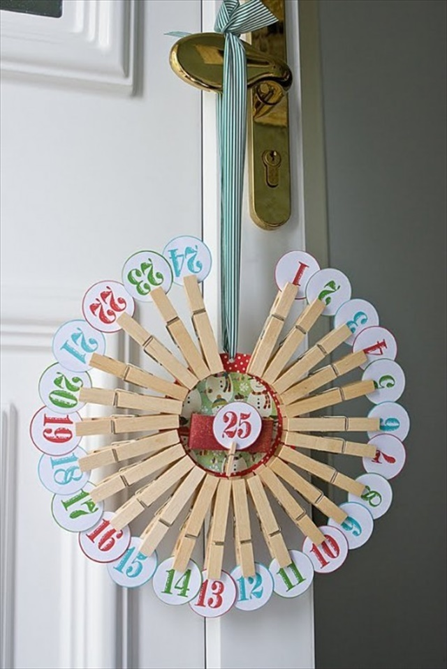 Clothespin Count Down Calendar Wreath Tutorial