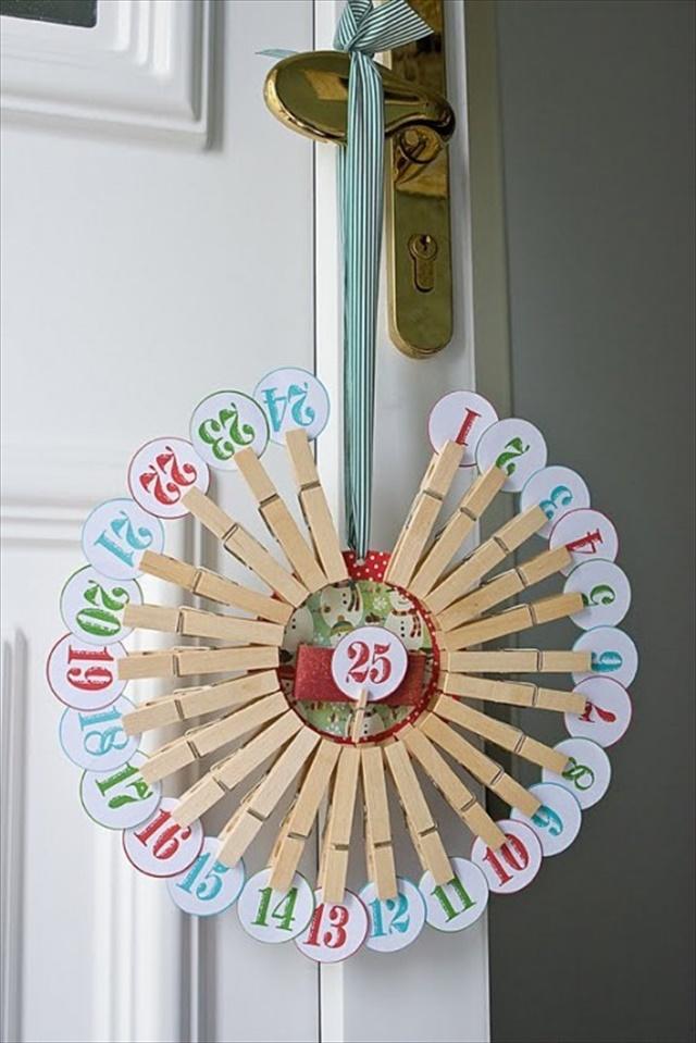 Clothespin Count Down Calendar Wreath Tutorial