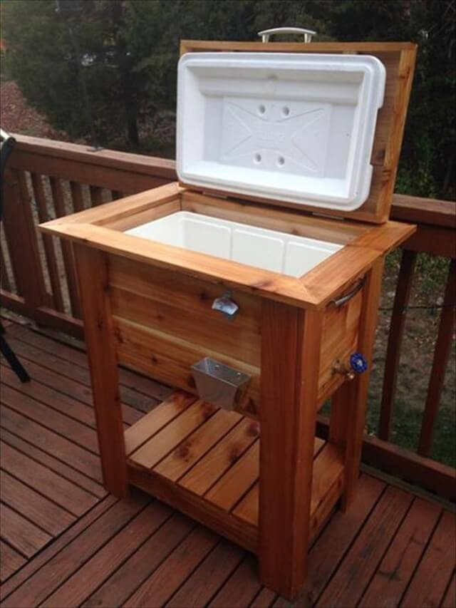 Upcycled Pallet Wood Igloo Cooler Stand: