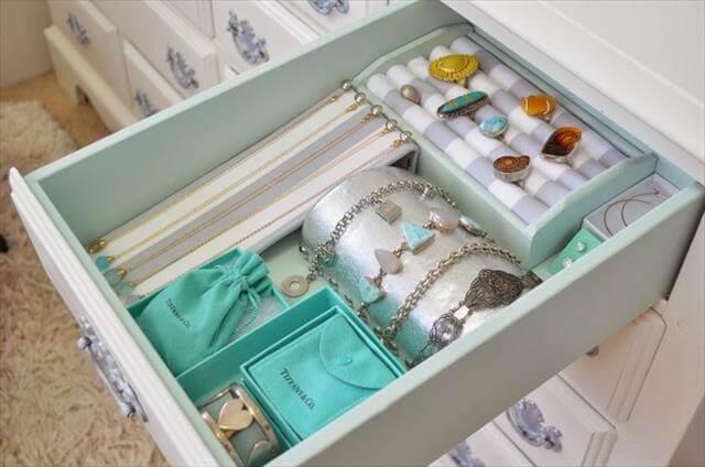 Jewelry Drawer Organizer DIY: