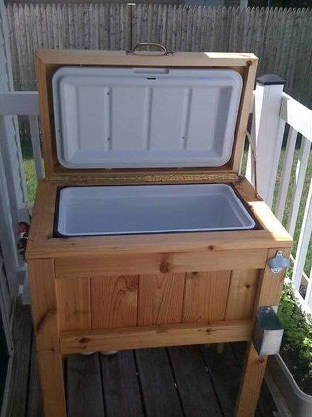 Cooler Made from pallets