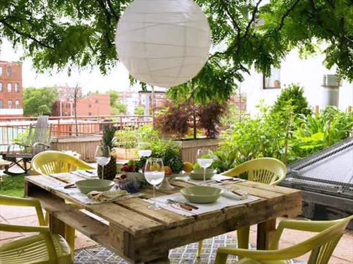 Outdoor Dining Table Made Of Pallets Wood