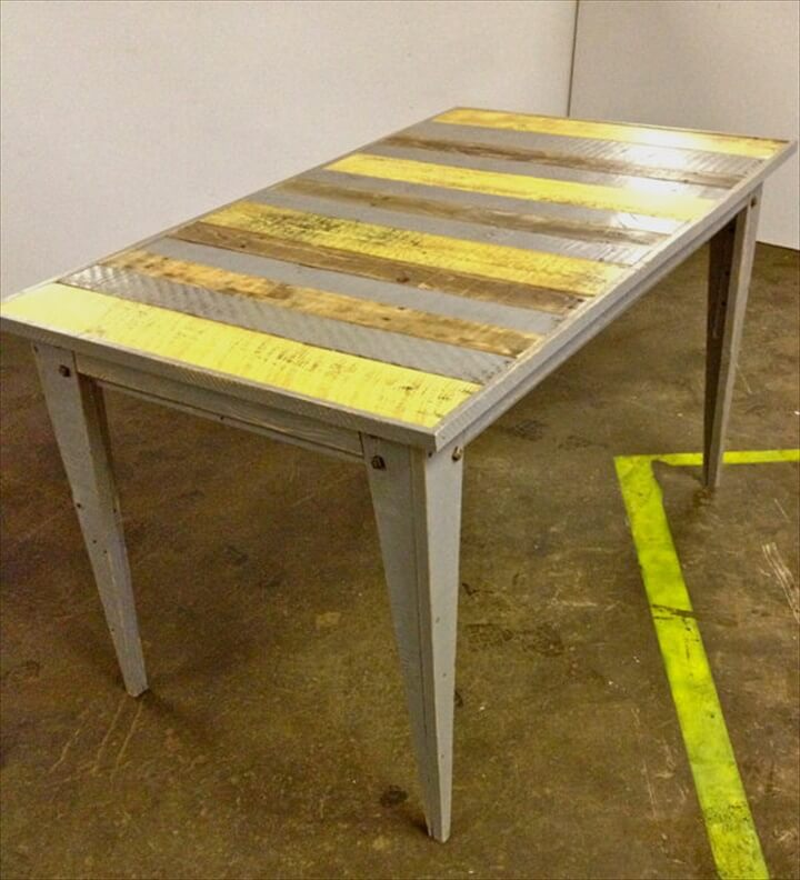 Retro pallet dining table Savannah Style