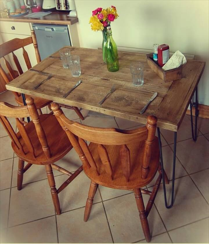 Recycled Wood Pallet Dining Table · DIY Salvaged Wooden Pallet Dining Table