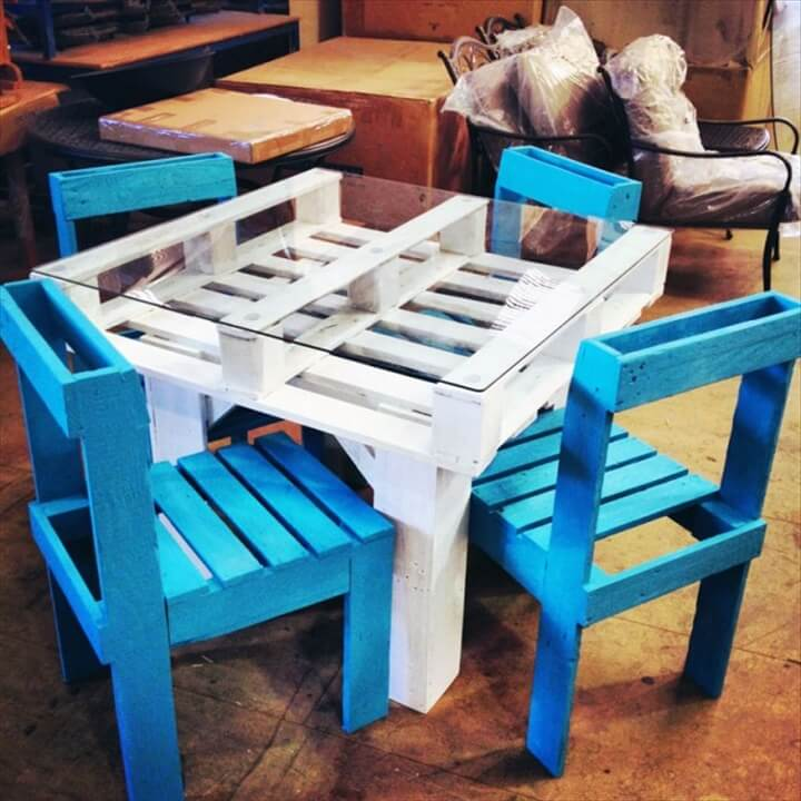 Dining Table Set Made Out Of Pallets