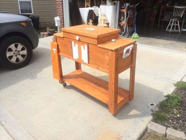 Pallet Outdoor Cooler / Ice Chest with Wheels