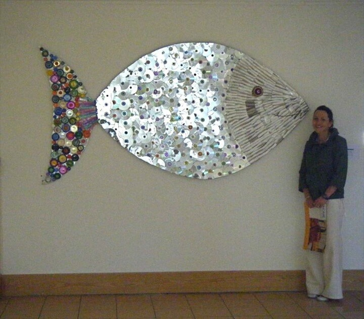 Recycled Cd Artwork A fish from unwanted cds