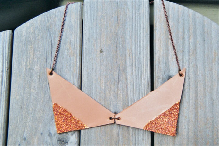 Glitter Statement Necklace: