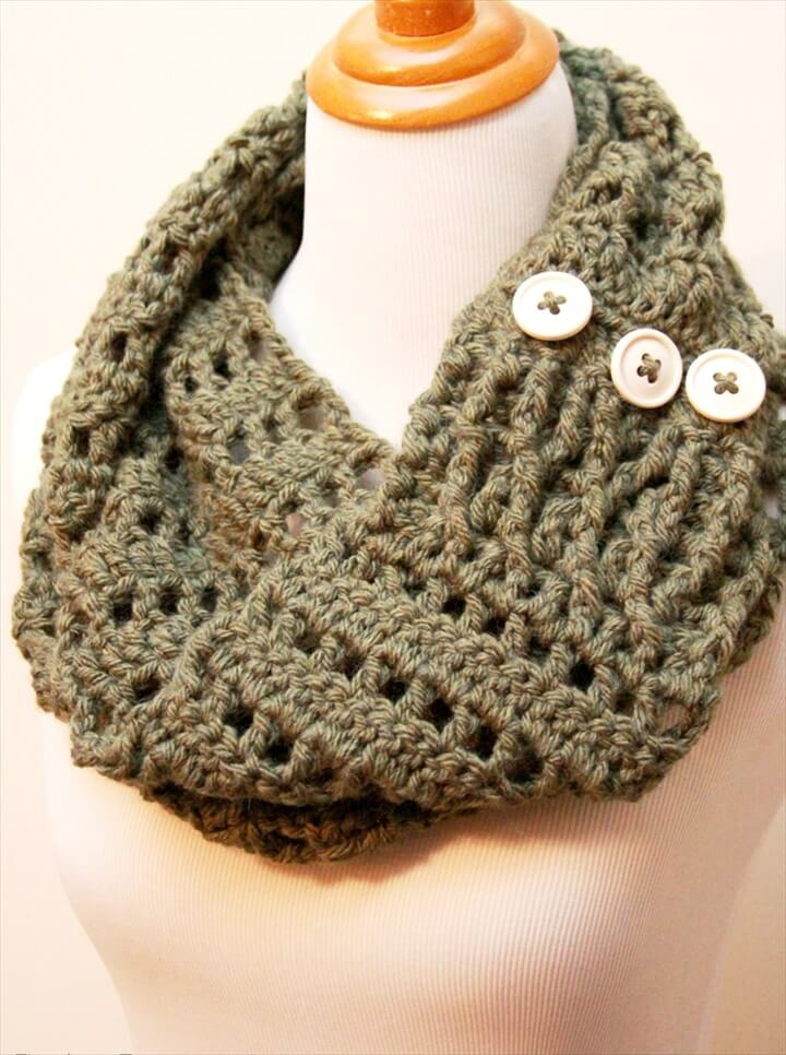 Infinity Scarf Tutorial   Decor and the Dog