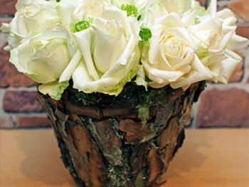 amazing table flower arrangement