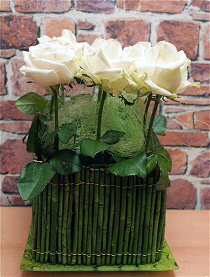 DIY flower arrangement ideas – White roses centerpiece