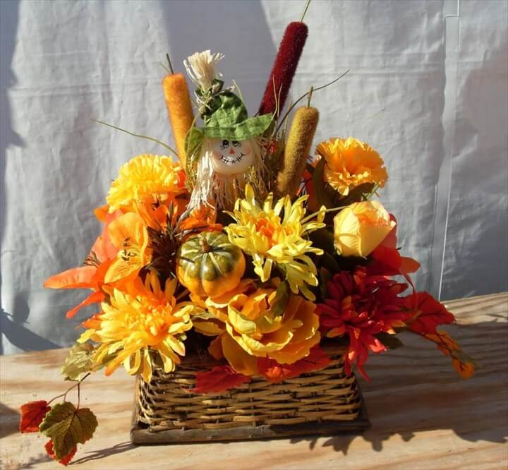 Yellow autunm flowers arrangement