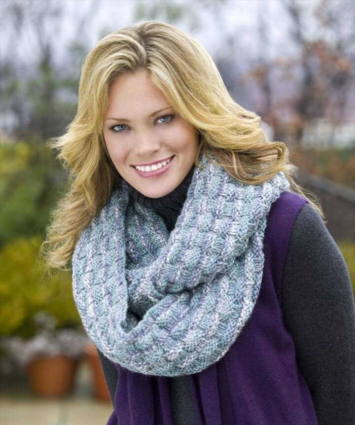 Quick Knit Infinity Scarf Pattern : 32 Super Easy Crochet Infinity Scarf ideas DIY to Make