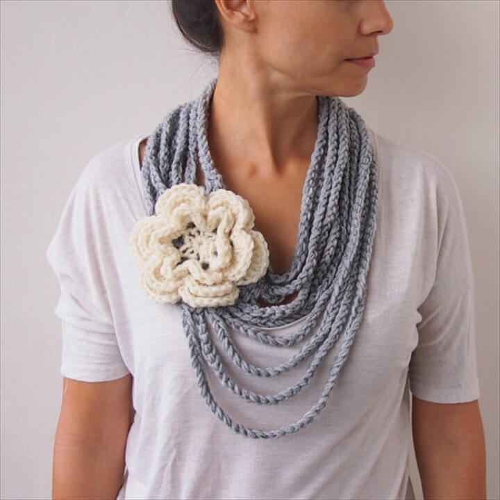 Crochet pattern, Loop infinity circle scarf, oversized flower chain chunky cowl, statement necklace