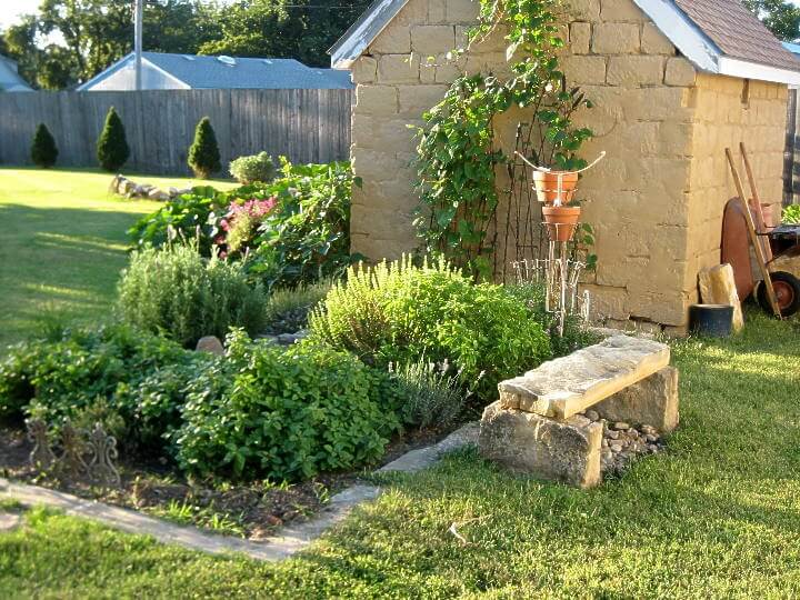 diy raised beds herb garden