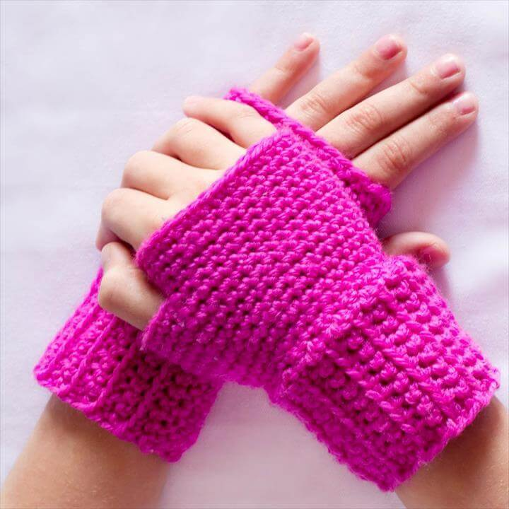 Basic Fingerless Gloves Crochet Pattern
