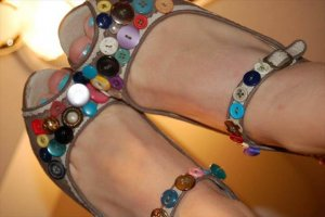 36 Innovative & Beautiful Button Crafts & Project