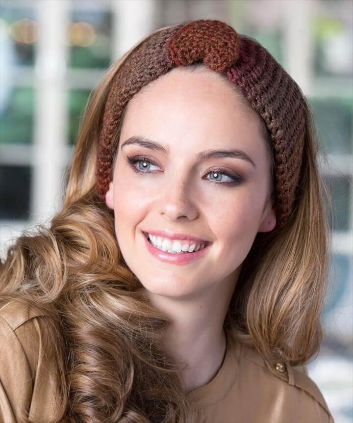 Buttoned Crochet Headband Crochet Pattern