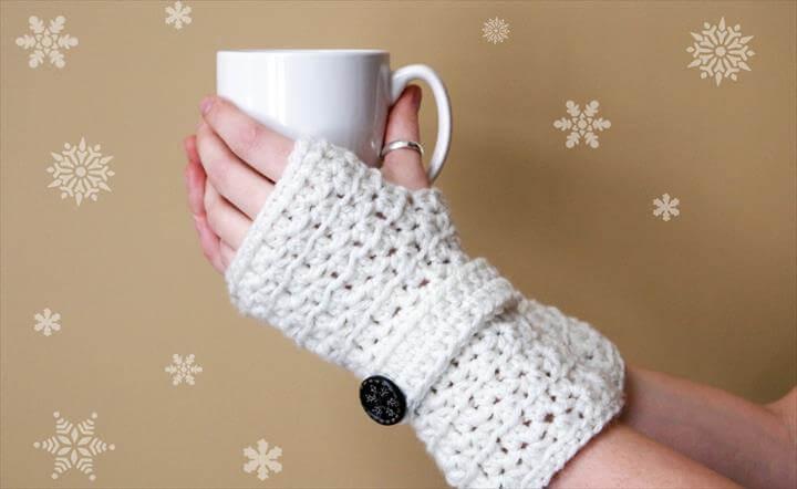 Star Stitch Fingerless Gloves