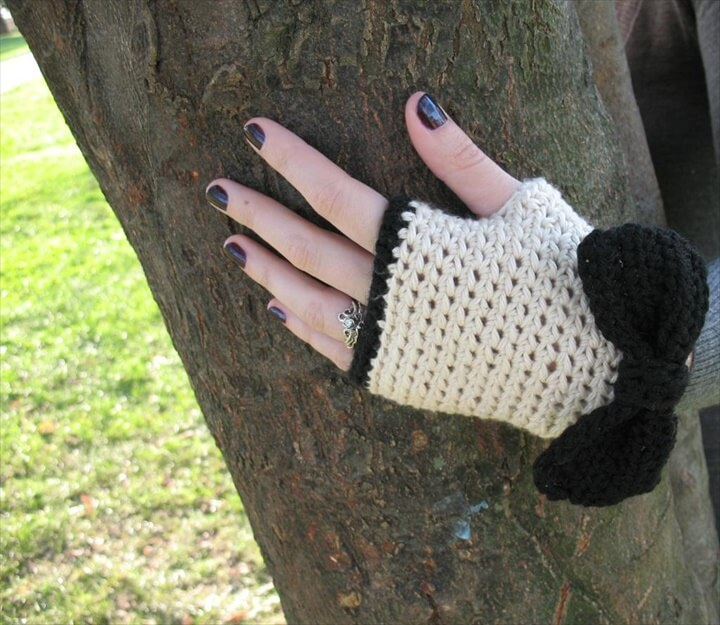Crochet Fingerless Gloves with Bow