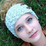 This listing is for a CROCHET PATTERN, not a finished headband