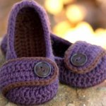 24 Adorable Crochet Women's Slippers