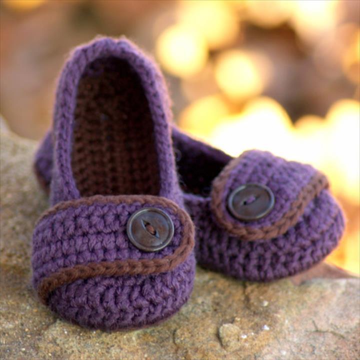 24 Adorable Crochet Womens Slippers