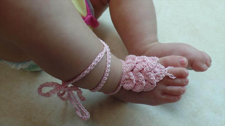 Crochet Crocodile Stitch Baby Barefoot Sandals with Thread