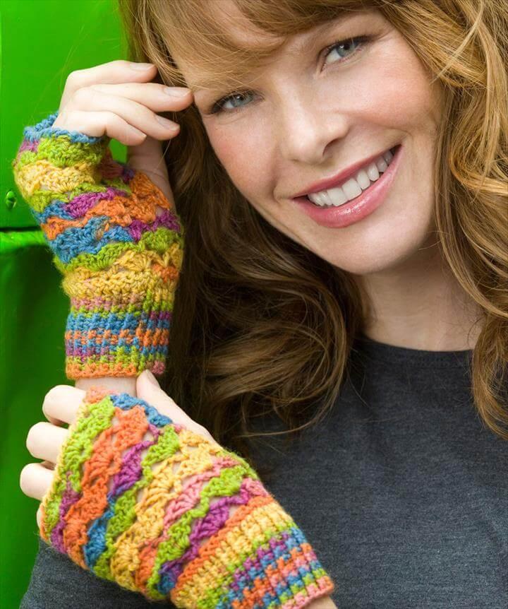 Gloves and Fingerless Mittens For Women's